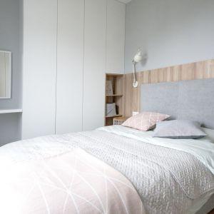 Pomysł na urządzenie jasnej sypialni. Projekt: Katarzyna Czechowicz, pracownia design me too. Fot. Katarzyna Czechowicz