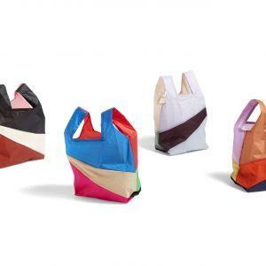 """Six-Colour-Bag –kolorowy projekt dla marki Hay. Fascynacja barwami i strukturami ubrana w formę """"zwykłej"""" torby na zakupy. Zdjęcia: archiwum Bertjan Pot Studio"""