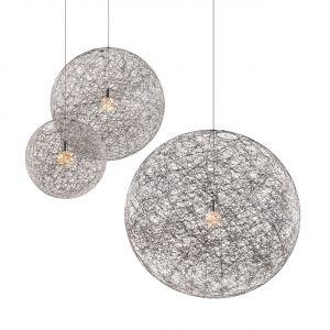 Random Light – projekt kolekcji oświetlenia dla holenderskiej marki Moooi. Efektowne lampy wykonane są z włókna szklanego i formowane na balonie. Zdjęcia: archiwum Bertjan Pot Studio