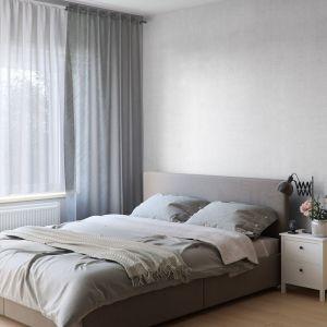 Ściana za łóżkiem: panele dekoracyjne Motivo, wzór Grey Linen. Fot. Vilo