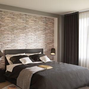 Ściana za łóżkiem: panele dekoracyjne Motivo, wzór Narrow Brick. Fot. Vilo
