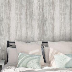 Ściana za łóżkiem: panele dekoracyjne Motivo, wzór Smoky Wood. Fot. Vilo