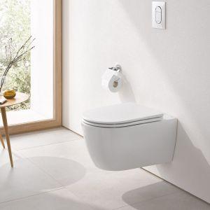 Miski WC z linii Essence nie posiadają kołnierza, co zapobiega rozwojowi i gromadzeniu się bakterii w trudno dostępnych miejscach. Grohe