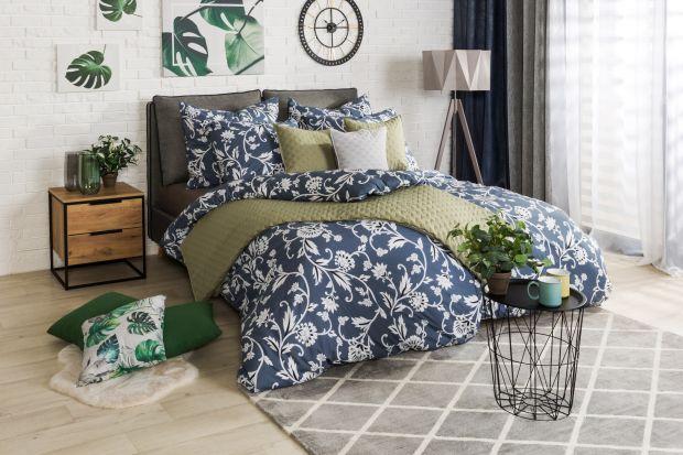 W ciepłe dni prym wiodą intensywne kolory i wakacyjne wzory. Dominują zarówno na ubraniach, jak i we wnętrzach. Odśwież swoje mieszkanie latem zaczynając od sypialni – wybierz pościel, która nie tylko ożywi pomieszczenie, ale także zwiększy