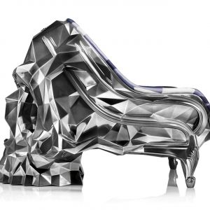 Black Skull Armchair - fotel-czaszka zaprojektowany przez Harolda Sangouarda. Wykonany ze stali, żywic poliestrowych i włókien szklanych, zewnątrz pokryty aksamitem. Jest też jego srebrna wersja. Fot. Harow