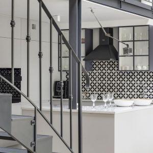 Apartament z historią w tle. Piękne wnętrze starej kamienicy w Warszawie. Projekt LOFT Factory. Fot. Piotr Gęsicki