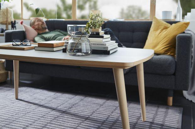"""Wszyscy czasem potrzebujemy pomocnej dłoni, komfortu i dopasowanego do nas wsparcia. To właśnie z myślą o takich chwilach, powstała nowa seria produktów IKEA OMTÄNKSAM (po szwedzku """"liczący się z innymi""""), która dzięki swojej funkcjonalno�"""