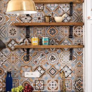 Płytki ceramiczne znowu modne! Zobacz 20 pomysłów na ściany w kuchni. Projekt Anna Krzak. Fot. Bartosz Jarosz
