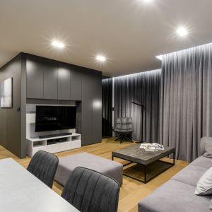 Nowocześnie urządzony salon: 20 świetnych projektów. Zobacz je wszystkie! Projekt Laminam x Deer Design foto Dariusz Majgier