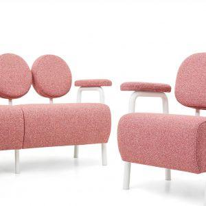 Oryginalna sofa Audrey inspirowana postacią Audrey Hepburn to projekt Magdaleny Kasprzycy dla nowej marki SoFem. W modułowej kolekcii także inne elementy do zestawiania oraz duża gama kolorów. Fot. SoFem