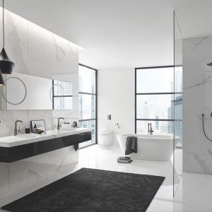 Baterie łazienkowe Essence dostępne są w wielu modnych kolorach, w tym grafitowym czy starego złota. Grohe