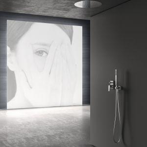 Armatura z kolekcji Project zaskakuje bogatą gamą wykończeń, takich jak matowa biel i czerń. Tres