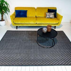 Szary nowoczesny dywan Rombo Grigio Scuro marki Carpets&More. Fot. Carpets&More