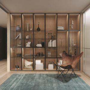 Witryna we wnętrzach - efektowne pomysły na przechowywanie. Fot. Komandor