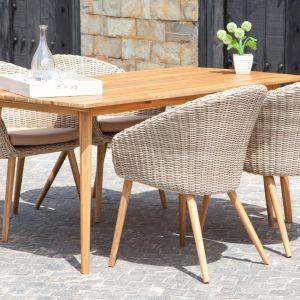 Drewno to materiał, z którego chętnie korzystamy w rozmaitych aranżacjach. Jest szlachetne, naturalne i świetnie wygląda w każdej stylizacji. Fot. Miloo Home