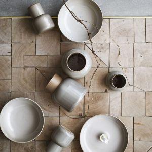 Ceramika Earthenware dla marki Fritz Hansen. Fot. Fritz Hansen