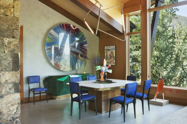 Spektakularny projekt tej rezydencji miał być przede wszystkim tłem do eksponowania pokaźnej galerii dzieł sztuki jej właścicieli. Projektantka wnętrz z Nowego Jorku, Sara Story zdecydowanie stanęła na wysokości zadania!