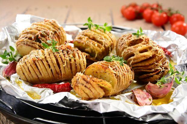 Grill to świetny pomysł na spędzenie wspólnego czasu z rodziną i znajomymi. Szczególnie, że dania z grilla cieszą się niesłabnącą popularnością. Trudno się dziwić, gdyż wśród grillowanych pyszności każdy znajdzie coś dla siebie! Socz