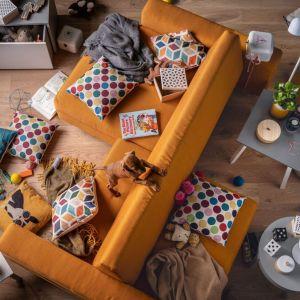 Sofa Slide od VOX -  niezależnie przesuwane siedziska pozwalają zmienić układ sofy w każdym momencie. Może ona pełnić rolę klasycznej kanapy, kanapy dwustronnej, kanapy z jednym lub dwoma szezlongami. Fot. VOX