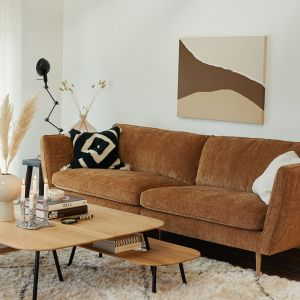 Sofa Teddy - nowość marki Sits. Można ją dowolnie kustomizować, dobierając materiał i kolor nóżek oraz materiał obicia. Fot. Sits