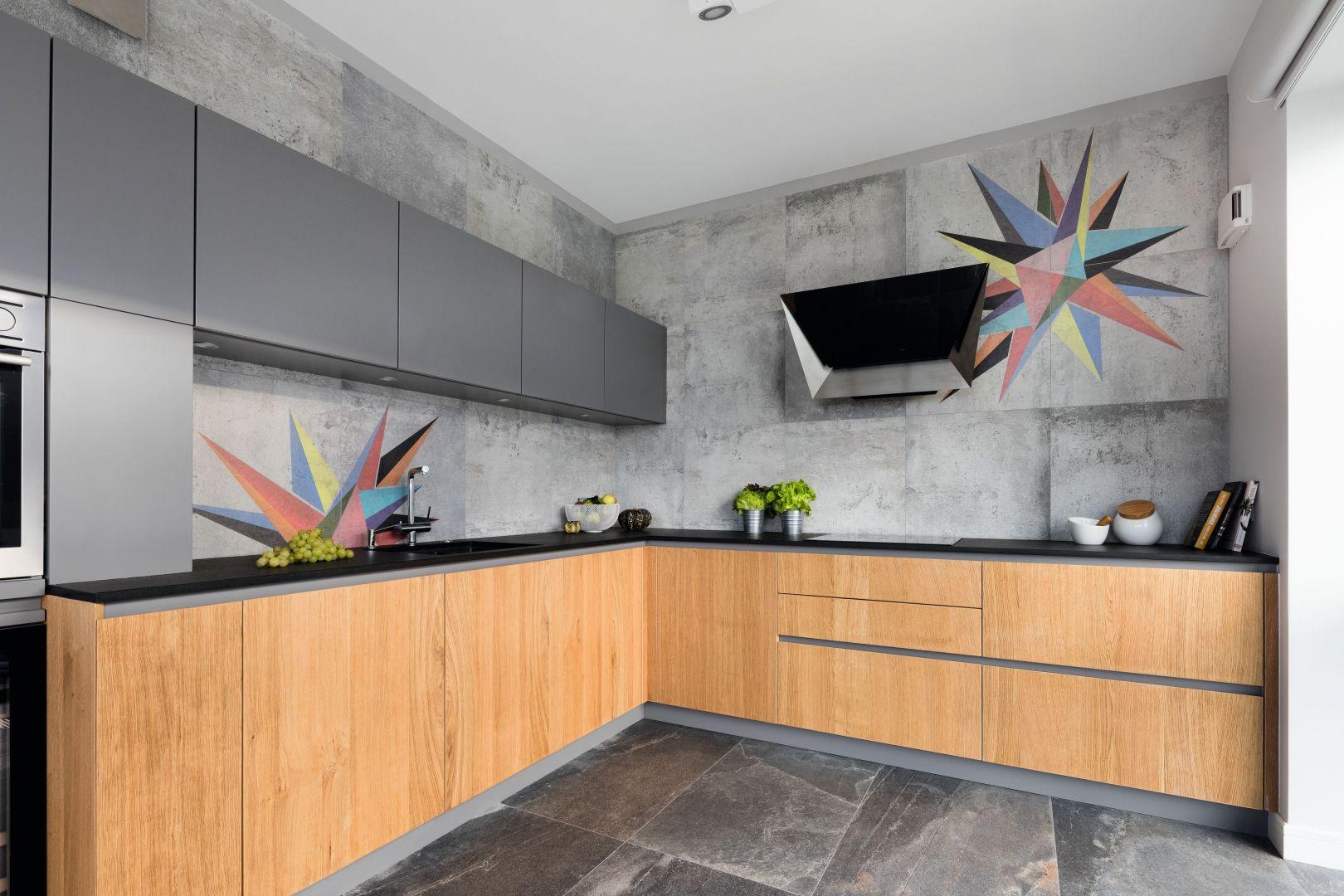 Szara kuchnia: 20 pięknych zdjęć. Projekt Magdalena Lehmann. Fot. Bartosz Jarosz