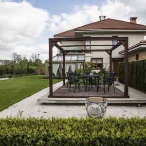 Ogród wokół domu w mieście. Fot. Studio. O.