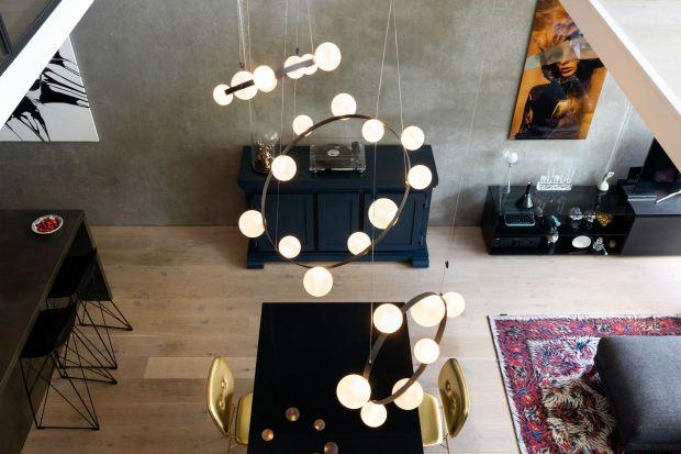 Hubble Bubble to innowacyjny pomysł na lampę do pokoju dziennego lub jadalni. Prosty wzór, innowacyjna technologia i wspomnienia z dzieciństwa to patent Marcel Wanders Studio na nowoczesne oświetlenie.