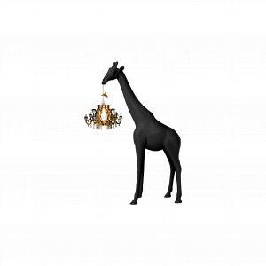 Giraffe in Love - projekt Marcantonio dla Qeeboo. W Polsce dostępna m.in w Dutchhouse.pl