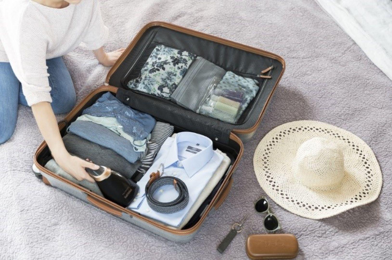 Ręczna parownica – idealny towarzysz podróży. Fot. Philips