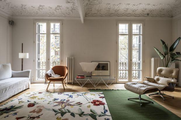 Flora to nowa kolekcja dywanów kultowej marki Nanimarquina, którą stworzył kataloński artysta Santi Moix. Te dywany to prawdziwe dzieła sztuki!