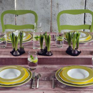 Porcelana w kolorach lata - 20 pomysłów na aranżację stołu. Fot. Blossom Ćmielów