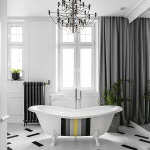 Salon kąpielowy w paryskim stylu. Zobacz jak urządzono łazienkę w starej kamienicy. Projekt Anna Maria Sokołowska. Fot. Fotomohito
