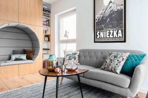 Stolik kawowy to must have w każdym salonie. Wybierzmy więc model, którybędzie piękną ozdobą naszego wnętrza.