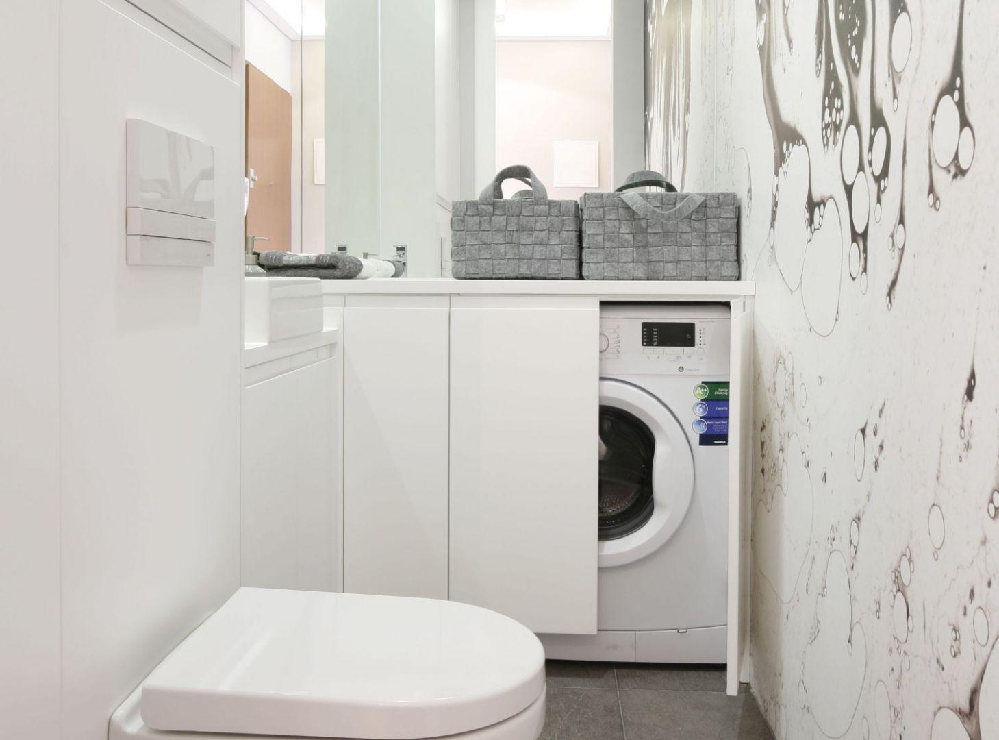 Pralka w łazience:  świetne sposoby na urządzenie. Projekt Karolina Łuczyńska