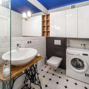 Pralka w łazience:  świetne sposoby na urządzenie. Projekt Pracownia Kodo