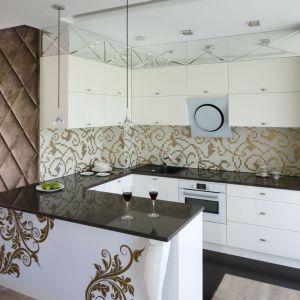Ściana nad blatem. Wybierz dekoracyjną mozaikę. Projekt Agnieszka Hajdas-Obajtek