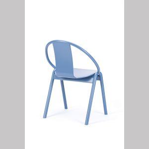 Krzesła z kolekcji Grand Slam dostępne w ofercie firmy TON. Fot. TON