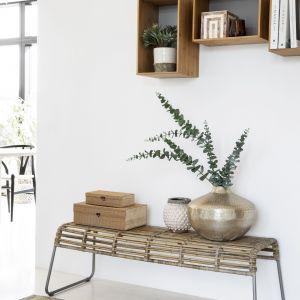 Rattanowa ławka do salonu lub przedpokoju. Fot. Ella James
