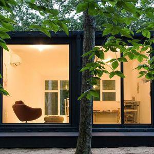 Container Studio projektu Maziar Behrooz Architecture to dom, który znajduje się w Stanach Zjednoczonych. Źródło: MB Architecture, https://www.mbarchitecture.com/
