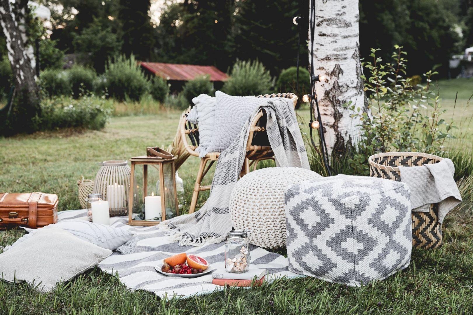 Piknik za miastem - przydatne akcesoria. Fot. WestwingNow