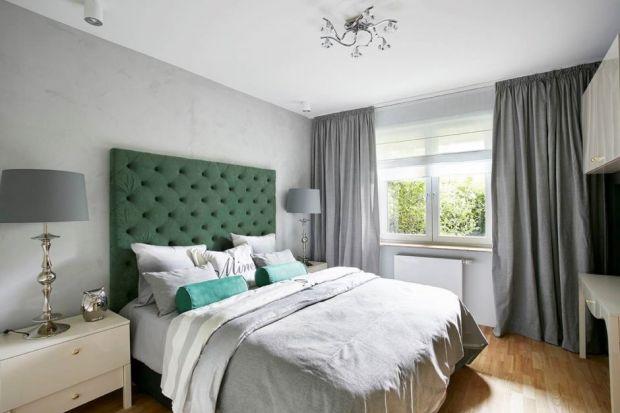 Metamorfoza sypialni może być prosta i szybka. Wystarczy kilka dodatków, efektowne tkaniny iwnętrze może się cieszyć nowym blaskiem. Zobacz, jak niewiele trzeba, byzmienić przestrzeń sypialni.