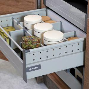 System szuflad Comfort Box można zamocować nie tylko w nowych, ale również w starych szafkach. Fot. Rejs