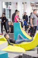 """Realizacja scenografii dla wystawy """"Wystawa-zabawa"""" na VII Festiwalu Designu i Kreatywności dla Dzieci EneDueDe w Concordia Design. fot.  Mateusz Bieniaszczyk"""