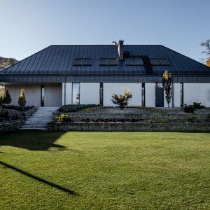 Nowoczesny dom z widokiem na góry. Projekt: Exterio/Grupa Projektowa HOLA. Fot. Ewa Kania