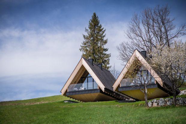 The Boats to projekt domów spod kreski pracowni architektonicznej Karpiel Steindel Architektura. Zobaczcie jak wyglądają Łódeczki w Kościelisku.