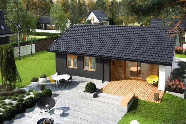 Popularność małych domów ciągle rośnie. Jaki wybrać projekt, aby był nie tylko tani w budowie, ale także ekonomiczny w utrzymaniu, funkcjonalny i nadawał się na małą działkę? Zobaczcie nasze propozycje 10 ciekawych projektów małych domów