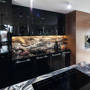 Jakie uchwyty sprawdzą się w modnej kuchni? Dobre pomysły, świetne zdjęcia. Projekt Tomasz Motylewski, Marek Bernatowicz