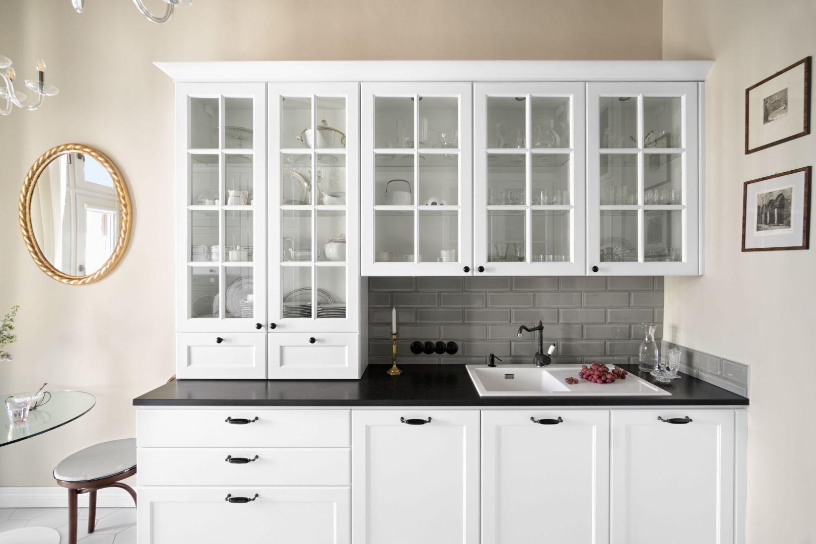 Jakie uchwyty sprawdzą się w modnej kuchni? Dobre pomysły, świetne zdjęcia. Projekt MM Architekci. Fot. Jeremiasz Nowak