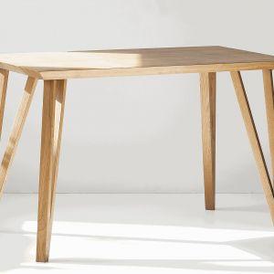 Stół dostępny w ofercie firmy Szyszka Design. Do kupienia w salonie 9design. Fot. Szyszka Design