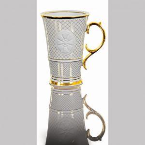 Finezyjnie zdobione kubki Ćmielów Prestige oraz Ćmielów Prestige Gold udekorowane wysokokaratowym złotem. Cena: 425 zł/szt. Fot. Cmielów
